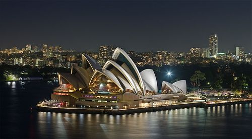 Wikipedia 800px-Sydney_Opera_House_-_Dec_2008